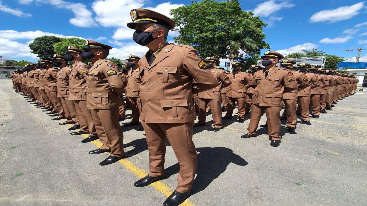Concurso PM MG - oficiais da Polícia Militar de Minas Gerais perfilados