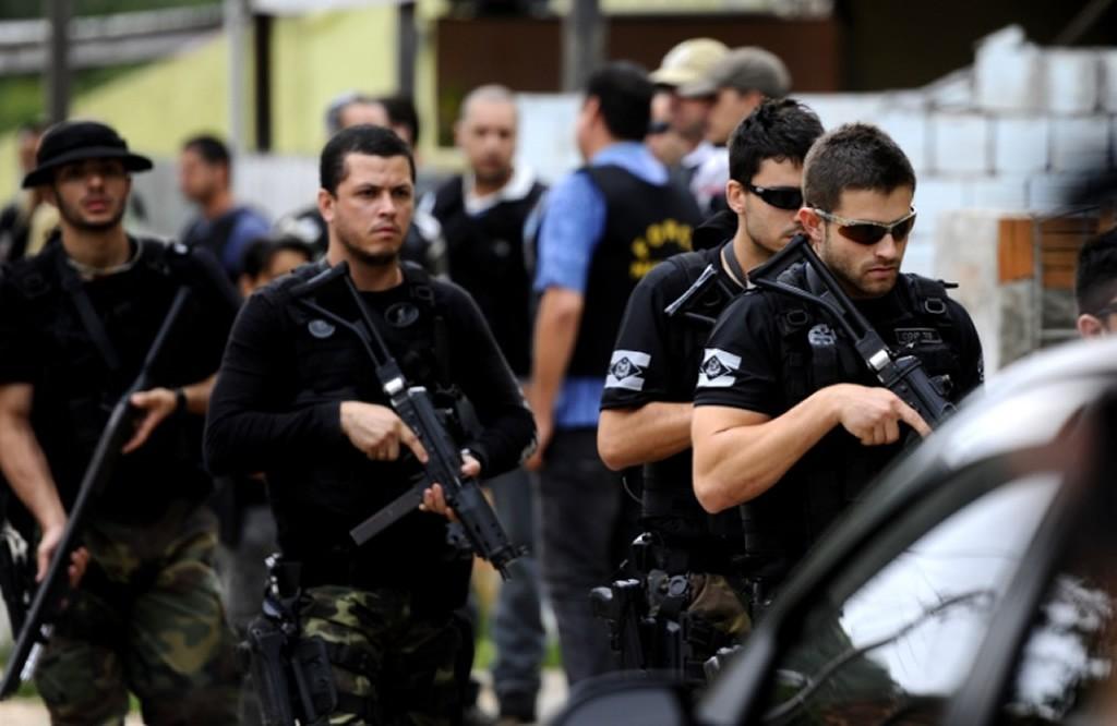 Concurso PC CE - policiais armados