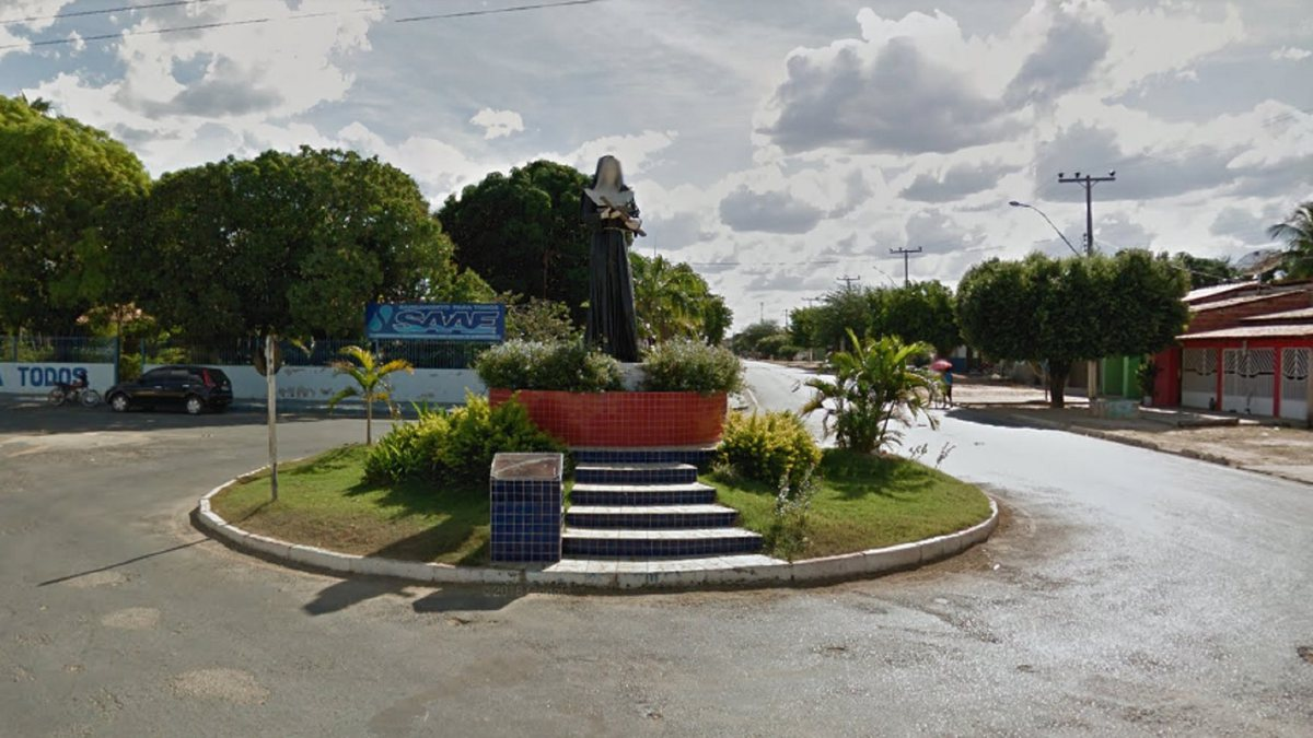Concurso Prefeitura de Santa Rita de Cássia - praça localizada no centro do município