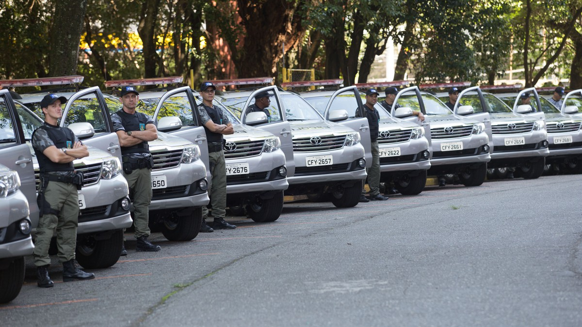 Carros da Secretaria Estadual de Administração Penitenciária