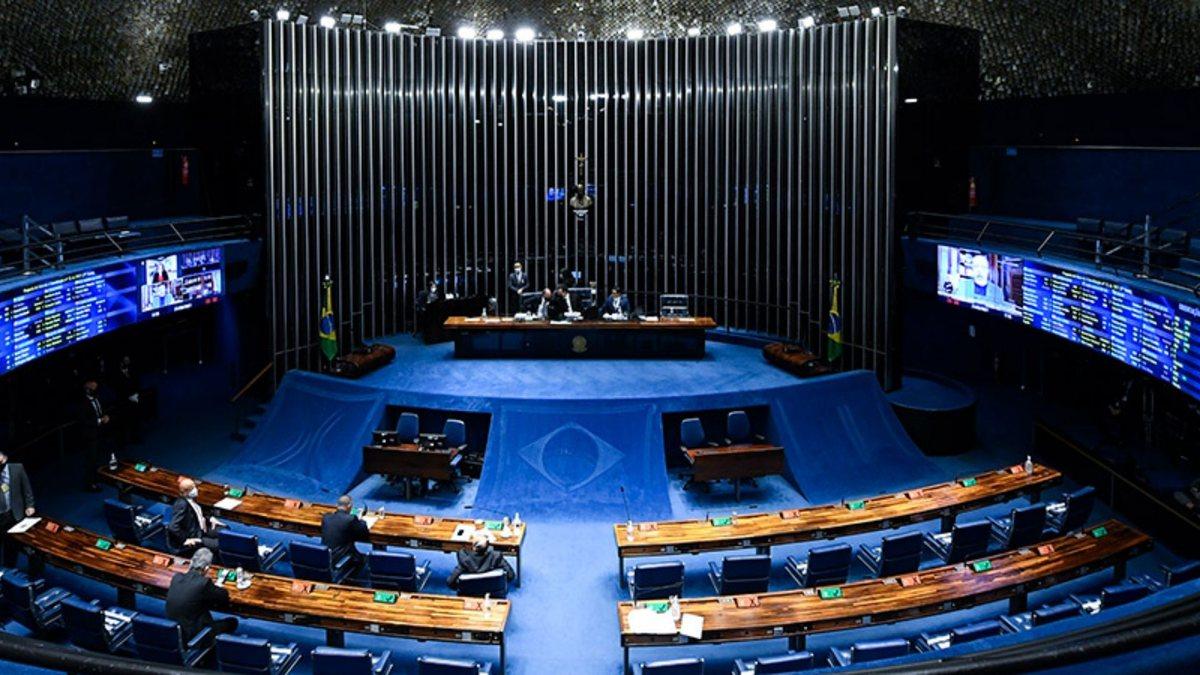 PEC dos cargos comissionados: votação é adiada no Senado; Confira