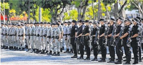 Concurso PM GO: soldados se apresentando ao batalhão