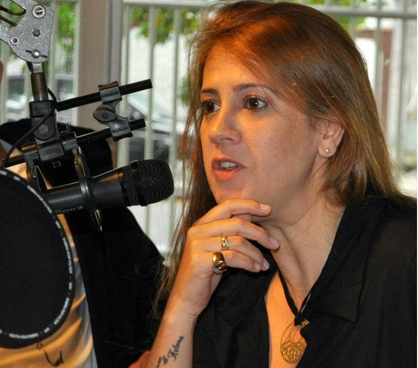 Especialista em concursos públicos, Cláudia Jones